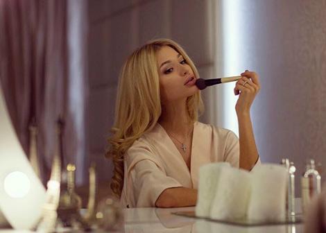 Красивые губы с помощью макияжа