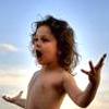 Смельчак покоряет мир, активный ребенок