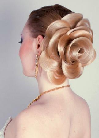Свадебная прическа Цветок на длинные волосы 21