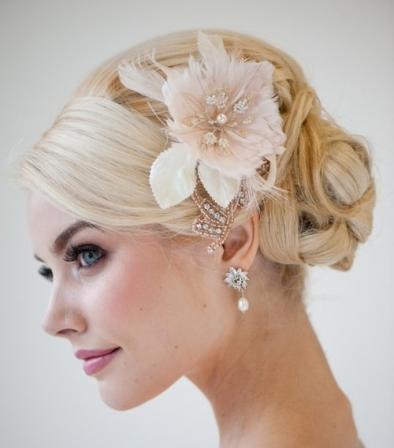 Свадебная прическа для молоденьких девушек 15