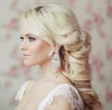 Свадебная прическа для невест блондинок 7
